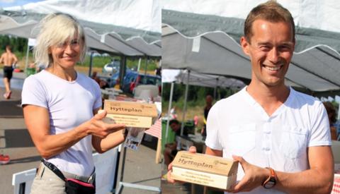 Her har Ninette Banoun og Even Nedberg fått sine Hytteplanker for 2013-sesongen.  Even har i 2015 løpt 16 norske ultraløp hittil... (foto: Olav Engen).