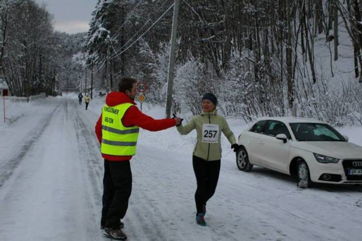 Som regel er det mildvær og bare veger innover Brusdalen i romjulen. Men i fjor var det, en sjelden gang, snødekte veier og kuldegrader. Foto: Kjell Vigestad