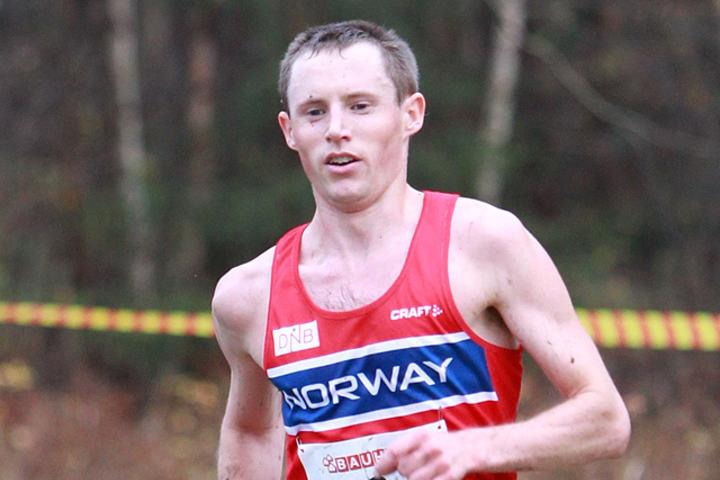 Audun Nordtveit jobber i England og hevda seg bra blant de beste britiske terrengløperne. Her ser vi han under nordisk mesterskap tidligere i høst der han ble nummer ni. (Foto: Kjell Vigestad)