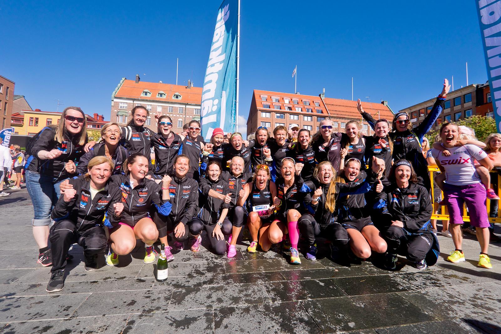 Namdal_løpeklubb_damer _vant_StOlavsloppet_Foto_HelgeLangen.jpg