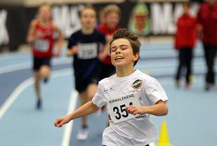 Petter Gullachsen går i mål først