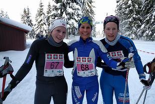 De tre beste kvinnene i Vestergyllen. Marit Liland Fredriksen nr. 3, Ingunn Weltzien nr 2. Og vinner Astrid Bruland. Foto: Heming Leira
