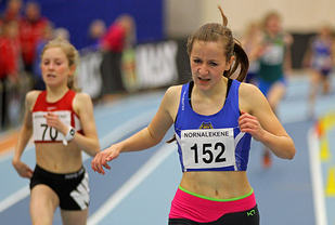 Evie Kalnes Dencker vinner heatet foran Adele Marie Hauge