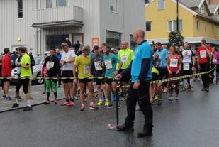 Fra starten på halvmaraton i AN-Mila i 2015. Foto: Guro Karstensen