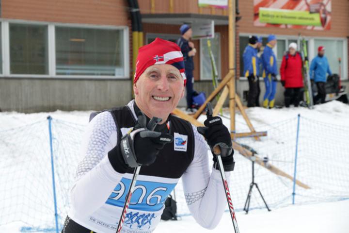 Arnt Johan Skjetne fra Børsa Il var ankermann på Norges lag i klasse som tok sølv i klasse M09, 70-74 år. (Arrangørfoto)