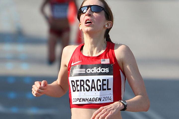 Annie Bersagel i mål i Copenhagen Halvmaraton som var VM i 2014. (Foto: Kjell Vigestad)