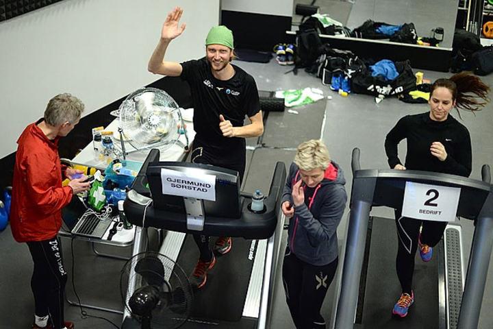 Gjermund Sørstad setter norgesrekord i 24-timersløping på mølle
