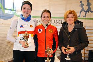 Premiepallen halvmaraton kvinner: Malene Liljedahl Njaastad, Anna Sofie Førre og Kristin Husby.