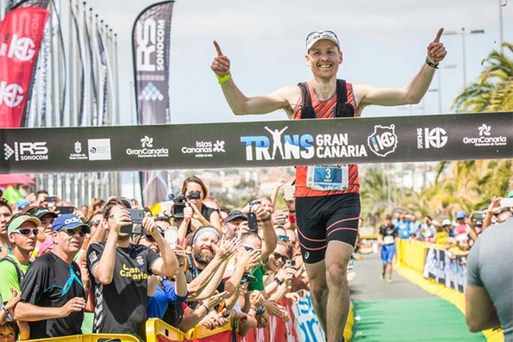 Didrik Hermansen - som her løper inn til seier i årets Transgrancanaria - er vår i øyeblikket største ultraløperstjerne. Han er selvsagt tatt ut i troppen til VM terrengultra.