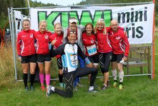 Noen av løperne fra den ene arrangørklubben, Gjerpen IF, før start i 2015 (arrangørfoto).