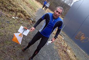 Den løpssterke veteranen Bjørn Hølleland stempler inn til den tredje beste tiden i den lengste løypen, 10 sekunder bak vinneren.
