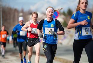 Lena Selen vant 5 kilometeren i Trønderjogg i fjor. Stiller hun i år, må nok den som skal slå henne, løpe meget fort. (Foto: Helge Langen)