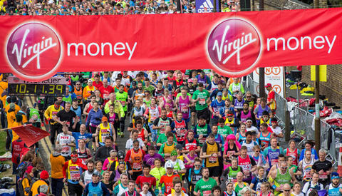 The mass of runners crossing the Red Start. The Virgin Money London Marathon, Sunday 24th April 2016.. The Virgin Money London Marathon, Wednesday 20th April 2016.Photo: David Levenson for Virgin Money London MarathonFor more information please contac