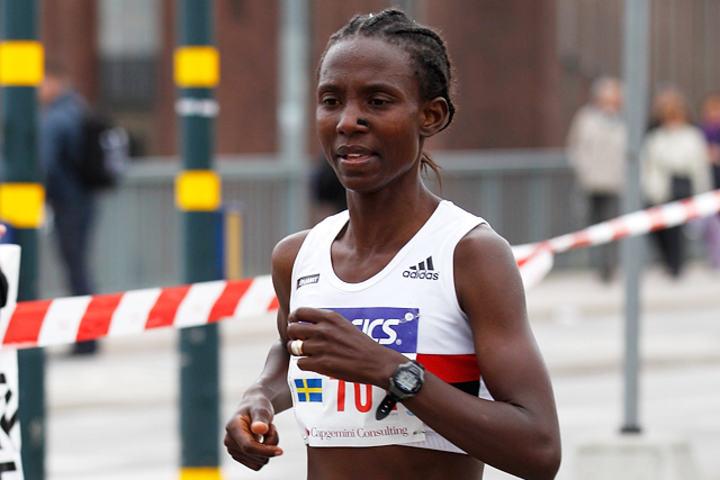 Alle gode ting var ikke tre for Isabellah Andersson da hun prøvde å klare det svenske OL-kravet - under svært så tøffe forhold i Zürich Marathon. (Arkivfoto: Per Inge Østmoen)
