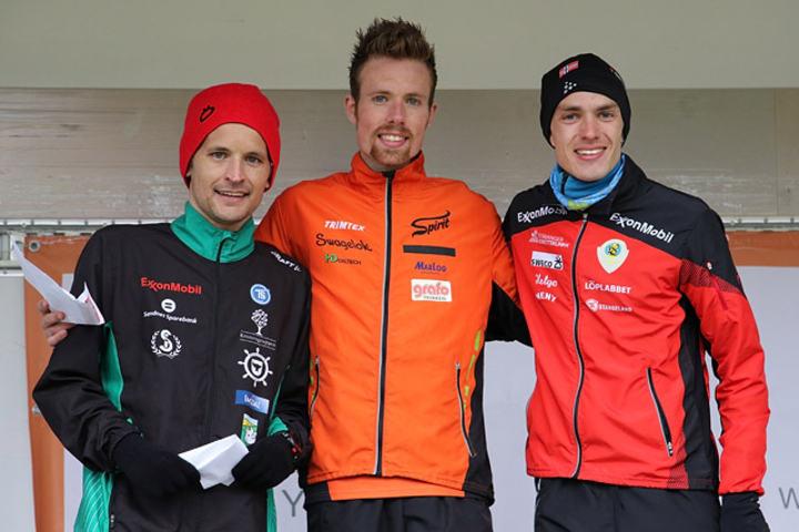 Ørjan Grønnevig (midten) tok en klar seier foran Bjørn Ustad Kristensen (til venstre) og Lars Erik Malde. (Foto: Runar Gilberg)