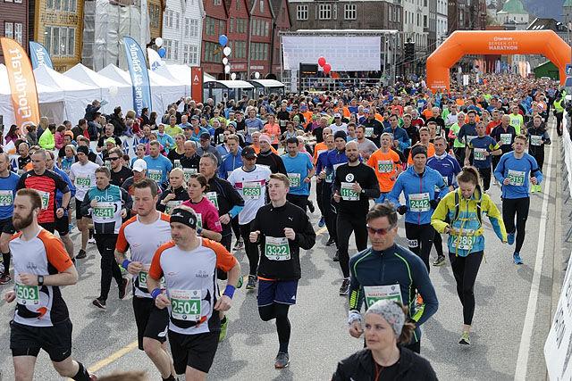 Start halvmaraton i Bergen City Maraton i 2016. Foto: Kjell Vigestad