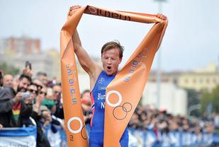 Kristian Blummenfelt etter world cup-seier i Italia. (Foto: Norges Triatlonforbund)