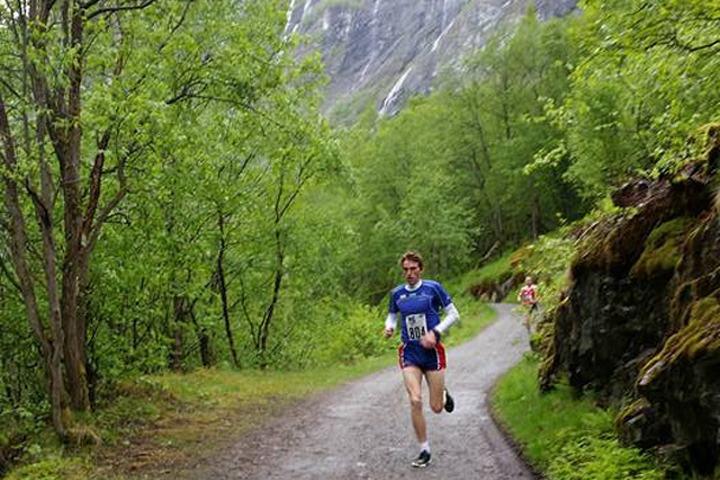 Marius Vedvik sprang inn til ny løyperekord i Vettisløpet. (Foto: arrangøren)
