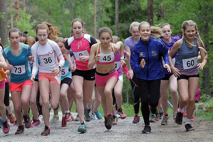 Fra startfeltet for jentene. Foto: Per Inge Østmoen