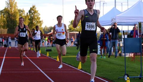 Her vinner Henrik Ingebrigtsen 3000 m under Tyrvinglekene. Foto: Bjørn Hytjanstorp
