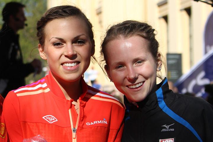 Veronika Blom (til venstre) og Kristine Helle er to av elleve løpere som er tatt ut til å løpe på de to norske laga på halvmaraton. (Foto: Runar Gilberg)