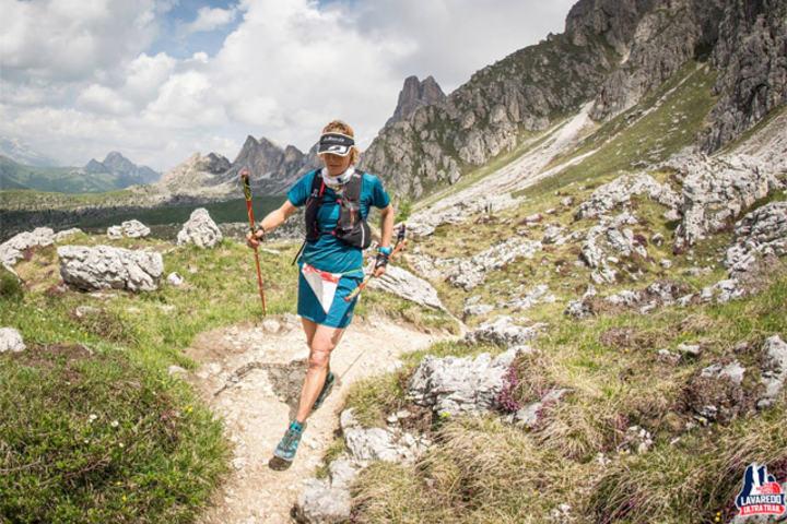 Den tidligere terrengsyklisten Andrea Huser fra Sveits var raskeste kvinne i Lavaredo Ultratrail. (Foto: arrangøren)