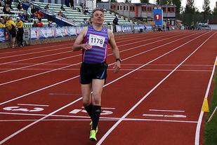 Rolf Birger Karlsen, Stovnerkameratene stilte sporty opp som mosjonist blant de beste på 800m under Tyrvinglekene i sommer. Foto: Heming Leira