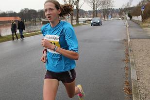 Tessa den Heijer, Ren-Eng 20 år gammel satser først og fremst på 3000 og 5000m og løper 3000 på Bislett onsdag. Her ser vi henne på halvmaraton i Fredrikstad som hun vant på 1.20.03 Foto: Heming Leira