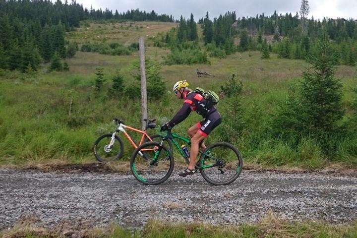 Jan Erik Bakken ved Birkebeinerbakken, også kjent som Martins Johnsrud Sundbys Monsterbakke, der den nye BB-ritt-traséen forlater renntraséen.