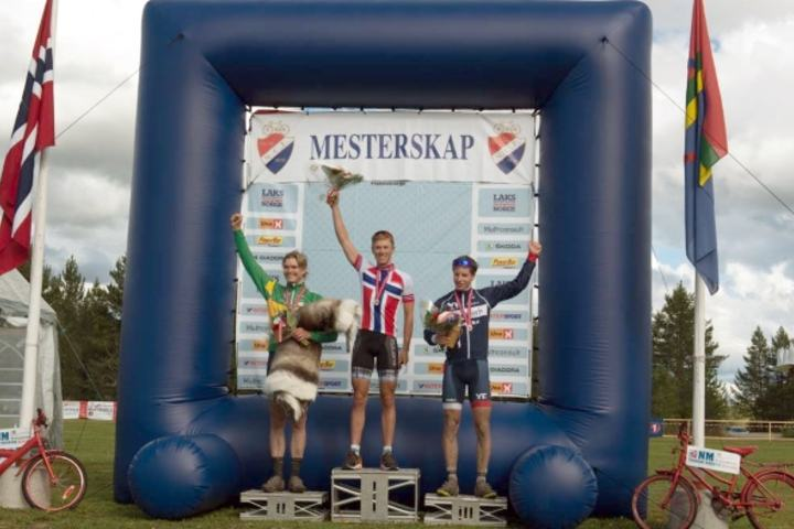 NM-medaljører for menn etter 91 km i Femundsmarka: Carl Fredrik Hagen, Sagene IF, Petter Fagerhaug, Lillehammer CK og Eirik Bruland, Bærum CK.