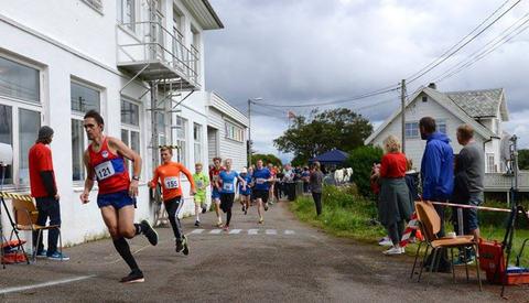 Teten på an Nautisk maraton kommer gjennom