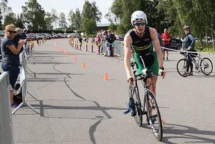 Sondre Halden, NTNUI vinner Oslo Triatlon 2016. Foto: Heming Leira