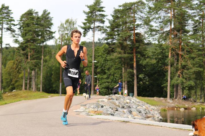 Emil Wiig under Oslo Triatlon i år.