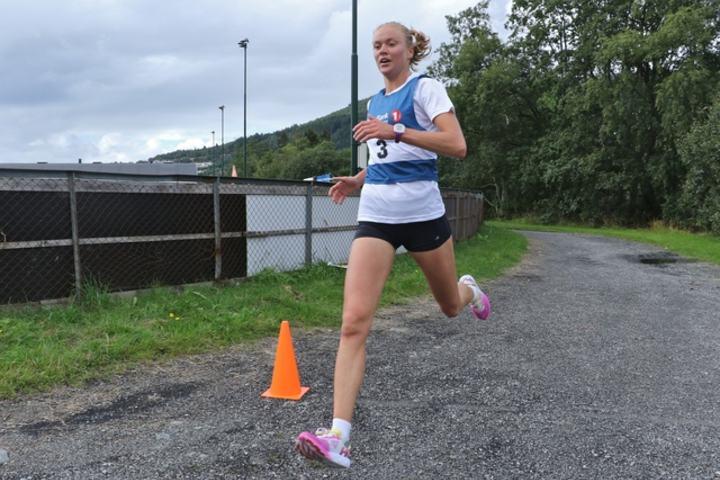 Ingrid Festø, Gular løper inn til ny løyperekord. Foto: Martin Hauge-Nilsen