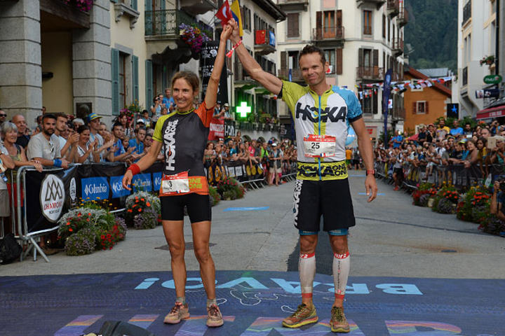 Vinnere av den 169 km lange UTMB-løypa ble Caroline Chaverot og Ludovic Pommeret. (Foto: UTMB/Pascal Tournaire)