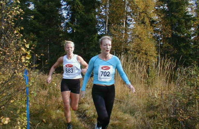 Ragnhild Sætre, Ekebergjoggen (702) og vinneren av Nordmakstravern i 2001 Line Søvik fra Advokatfirmaet Selmer Foto: Heming Leira