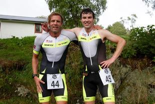 Knut Anders Fostervoll til venstre blei nummer to i Ålesund Triathlon, mens André Løseth til høyre vant dagens konkurranse i Ålesund. Begge representerer Trollveggen Triathlon.