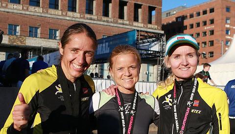 Pallen med de tre beste kvinnene på Oslotrippelen, Skjeggerud, Mehus og Skak (foto: Kjell Vigestad).