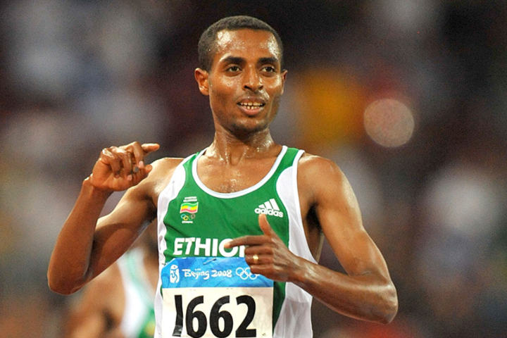 Kenenisa Bekele var i mange år verdens klart beste bane- og terrengløper. I de de seinere åra har han også hatt suksess som maratonløper. (Foto: SCC EVENTS /PHOTORUN)