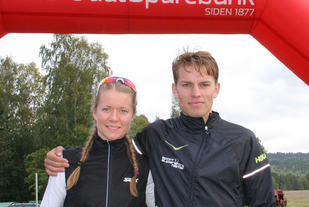 Årets løpsvinnere i Dølisjøen rundt: Marie Renee Gangsø og Ola Erling Korbøl. (Foto: Aashild V Solberg, Slåstad IL)