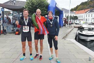 Pallen i herreklassen med Gisle Johnsen, Erik Bergersen og Odd Solvold (foto: Siw Omdal Bergersen).