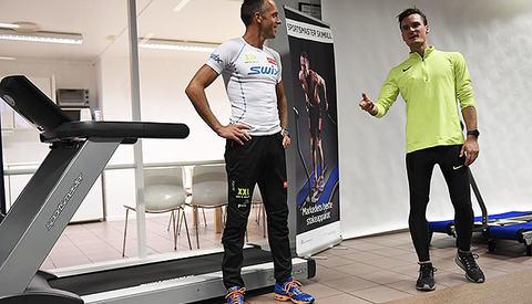 Anders Aukland og Henrik Ingebrigtsen ga treningstips til besøkende hos Sportsmaster på Nesbru. (Alle foto: Bjørn Johannessen)