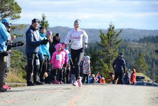 Brita Cecilie Mustad klatret best (foto: Hallvard Kile)