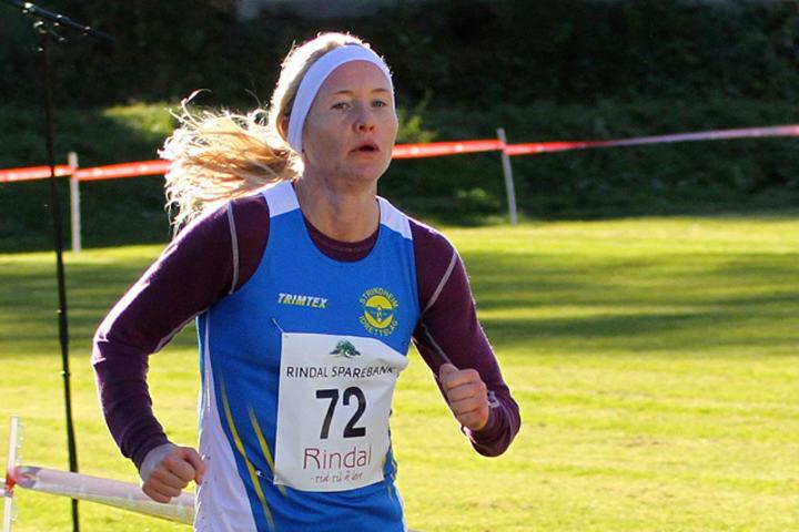 Lena Selen vant det andre løpet i Trøndersk Vinterkarusell. På bildet ser vi henne under NM terrengløp tidligere i høst, der hun ble nummer fem. (Foto: Arne Dag Myking)