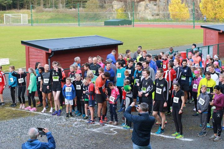 Fra starten på 5 og 10 km (foto: Ane Tømmernes).