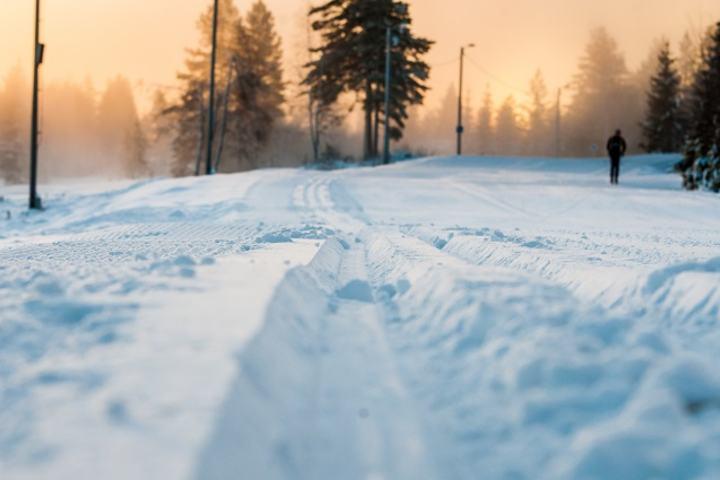 I år er kvaliteten bedre enn noen gang når langrennssesongen starter i Trysil. Seks kilometer både for klassisk og skøyting i opptil 8 meter brede løyper og 50 cm med tjukk snø. (Foto: Hans Martin Nysæter/Destinasjon Trysil)