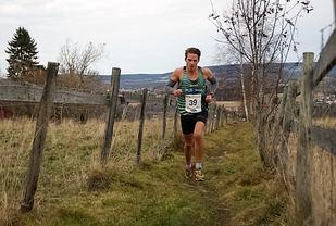 Ola Korbøl i aksjon under Ottestadstien Rundt i fjor høst. (Foto: Stein Arne Negård)