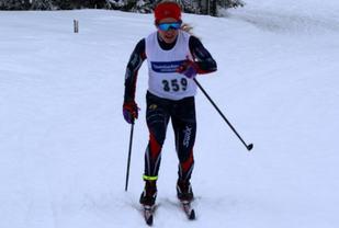 Helene Marie Fossesholm fra Vestfossen IL på veg til dagens beste tid på 5 km.