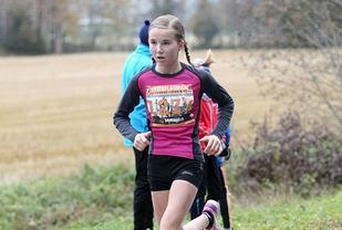 Emma Kirkeberg Mørk etter 8 km i Hytteplanmila 2016 der 13-åringen satte klasserekord på 10 km for jenter 14-15 år (foto: Kjell Vigestad).