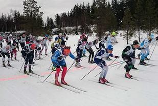 Startskuddet går for den 6. utgaven av Sigurd Fremos Minneløp. (Arrangørfoto)